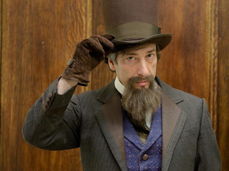 Neil Gaiman channels Charles Dickens. Photo by  Jonathan Blanc